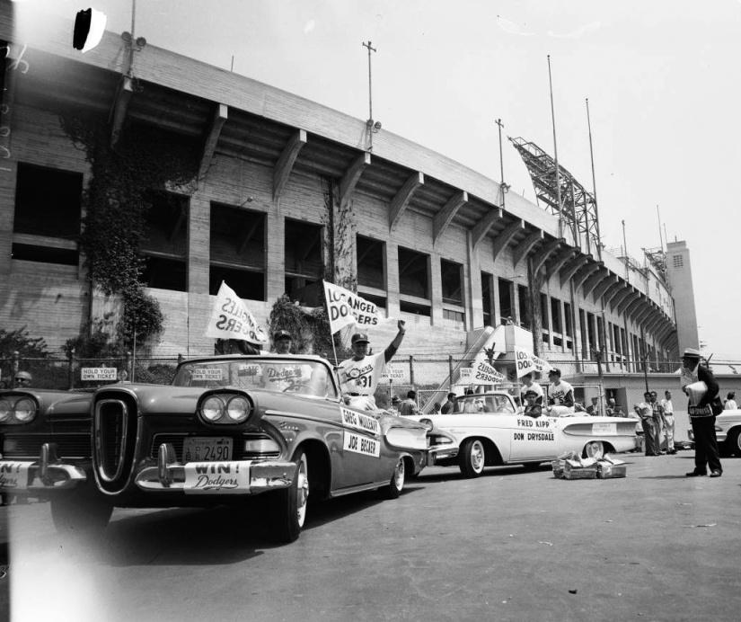 Dodgers_Parade_1958