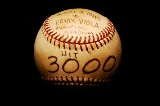Carew, Rod 3000th hit ball b121 91