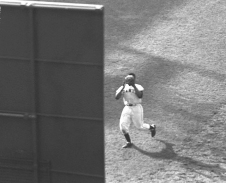 Willie-Mays-the-catch-reverse-angle-011014